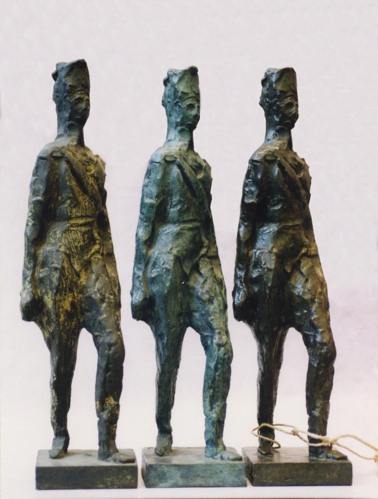 Hussard debout. Par Antoine Bourdelle. Bronze, H. 37,1 cm. Cire perdue Cachet Clementi Fondeur. Exemplaire de droite, expertisé en 2000 comme une perruque de récupération suite à un petit défaut de fonderie.