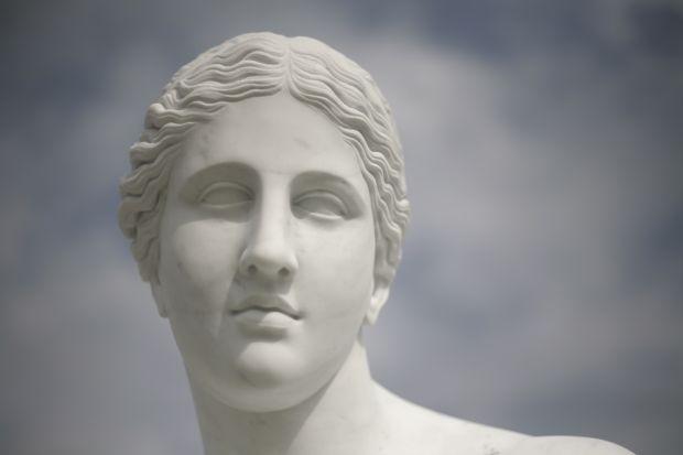 Chi-Mei-Panthéon-Grec-en-Marbre-de-Carrare