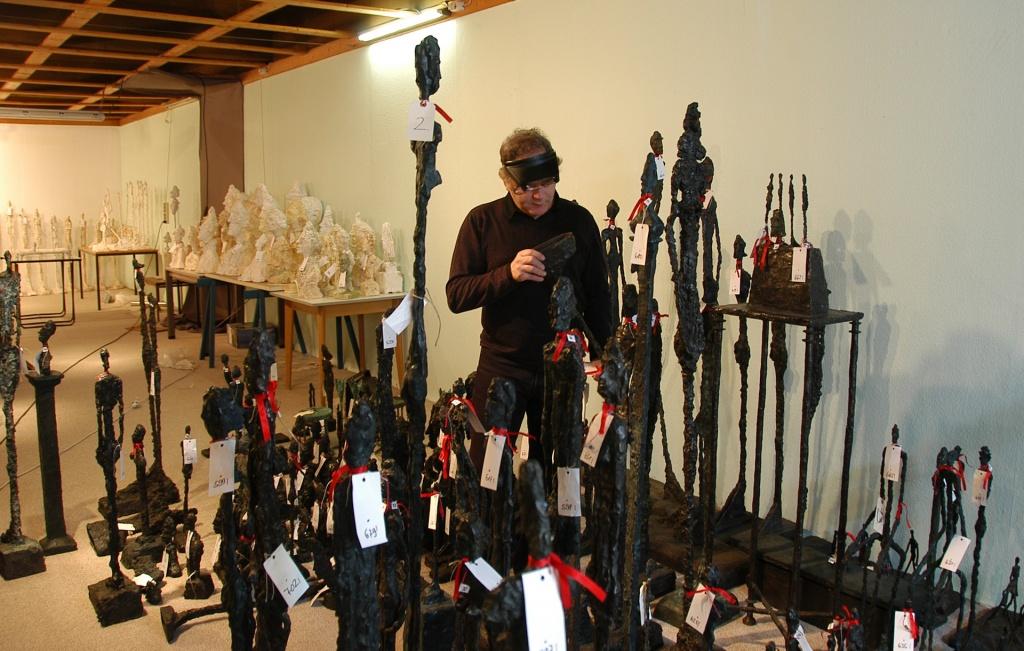 Saisie de faux bronzes d'A. Giacometti (environ 1200). Examens de bronzes portant le cachet du fondeur A. Rudier - TGI de Stuttgart, Aff. Schulte, 25 mai 2010.