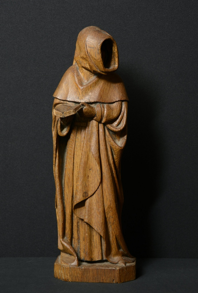 Pleurant en chêne sculpté. Perruque autorisée à l'Ecole Boulle, circa 1974